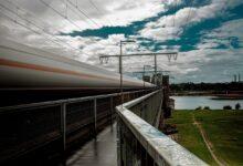 Photo of Tra treno, Totò e Tron, verso il futuro trotterellando